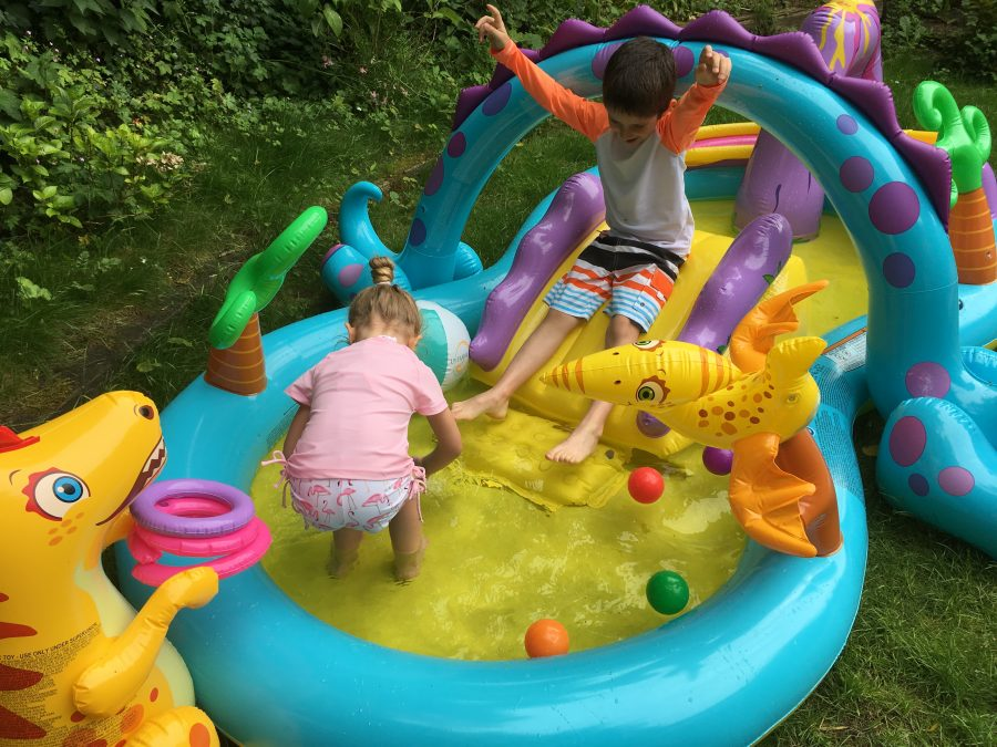 Super coole poolparty in je achtertuin